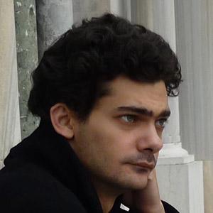 Давид Толорая